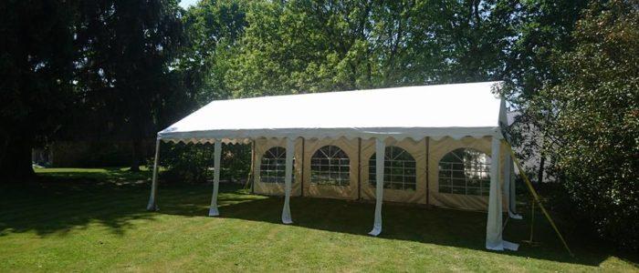 Location tente de réception avec plancher, structures pour réception type mariage, anniversaire, fête privée u professionnelle près de Vannes, Ouest Loc Réception